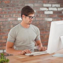 How works best web studio in Riga?